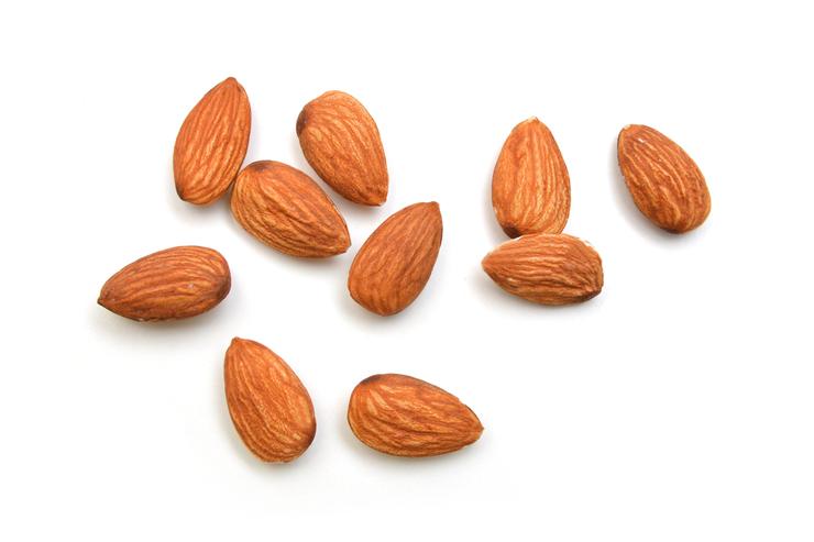 alimentos alcalinos: almendras